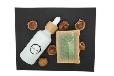 Geschenkset sustOILable BASIC met 50ml Amandelolie in glazen pipetflesje, Aleppo zeep en wasnoten